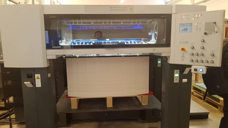 Camporese sold an Heidelberg XL105-5LX-LED-UV to La Grafica of Bergamo (IT)